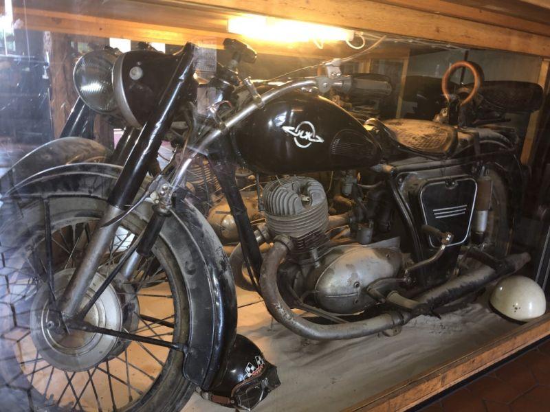 biker_08_4F94BFB88-4944-FB42-A9DA-6F6B4CF33034.jpg